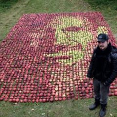 Steve Jobs Made Out Of Apples [Photo]