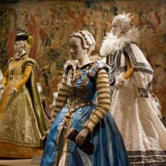 300 Years of Period Fashion Made of Paper Sculptures [Video]