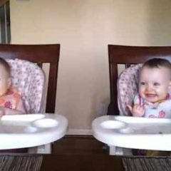 11 Month Old Twin Babies Dancing [Video]