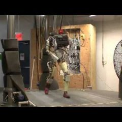 Robot Walking With Swagger [Video]