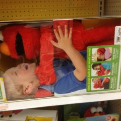 Elmo Loves You. [Photo]