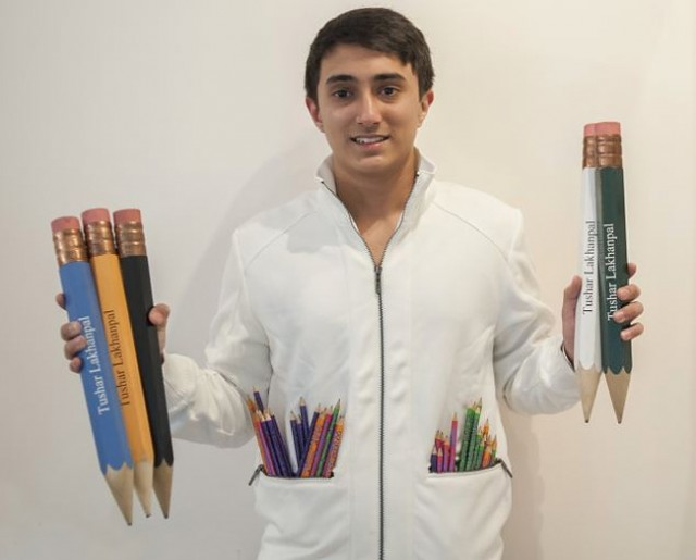 Worlds-Biggest-Collection-of-Pencils3-640x515