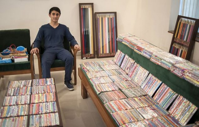 Worlds-Biggest-Collection-of-Pencils7-640x407